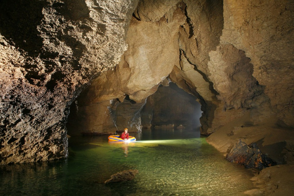 Nordblau, Hessenhauhöhle; Foto: Andreas Schober/Gaspard Magarinos